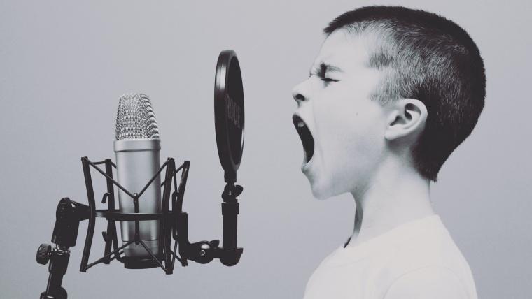 声量が出ない、声が小さい、声が通りづらい原因は舌の位置?